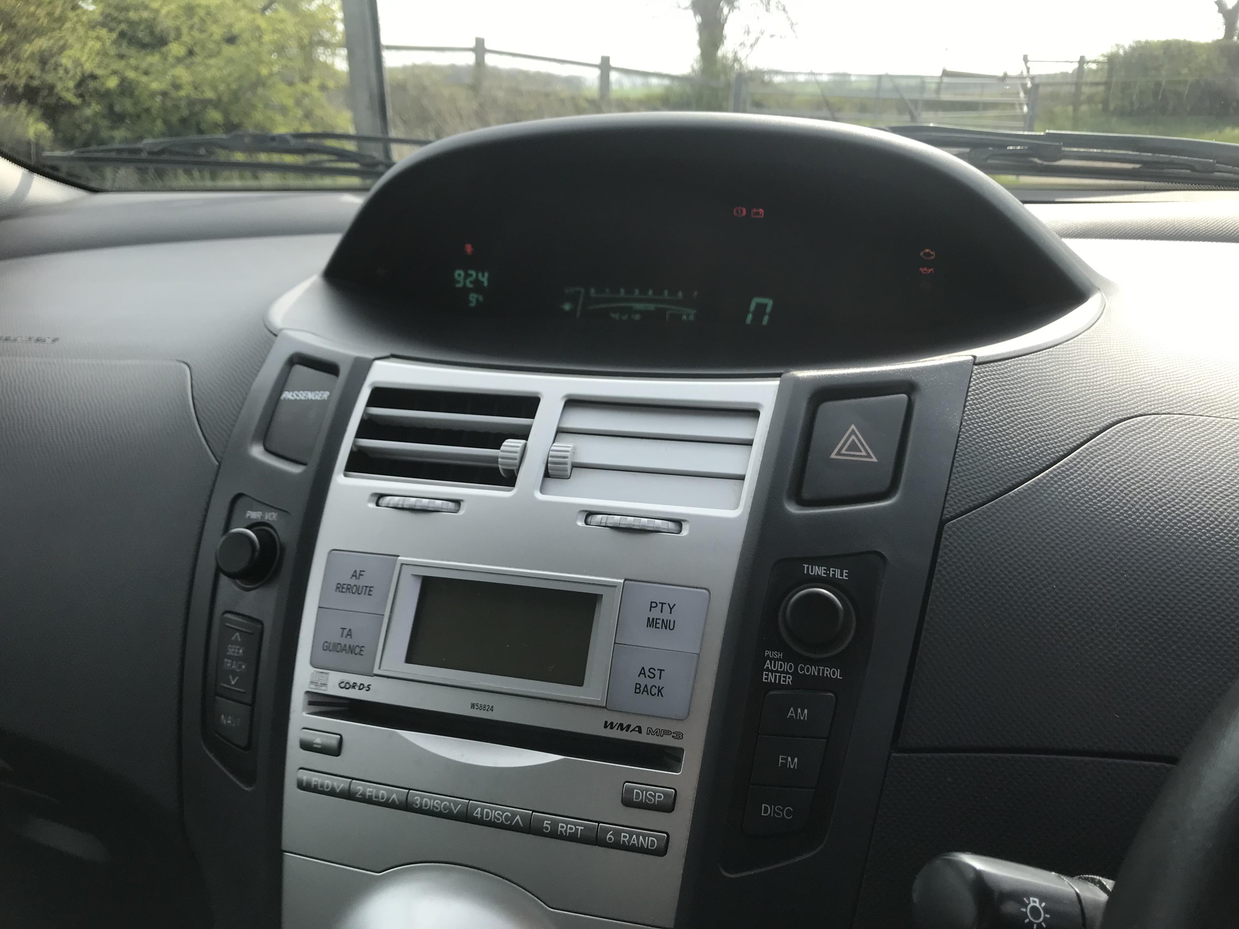 Toyota Yaris T Spirit S Automatic 5 Door full
